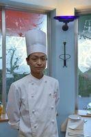 イタリア料理コンクールに出場する澤和さん=鳴門市のフィッシュボーン