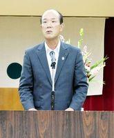 11JAでの広域合併を目指す方針を表明するJA徳島中央会の中西会長=徳島市のJA会館