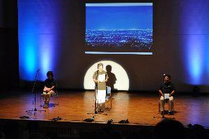 障害者から募った詩を披露する朗読サークルのメンバー=徳島市ふれあい健康館