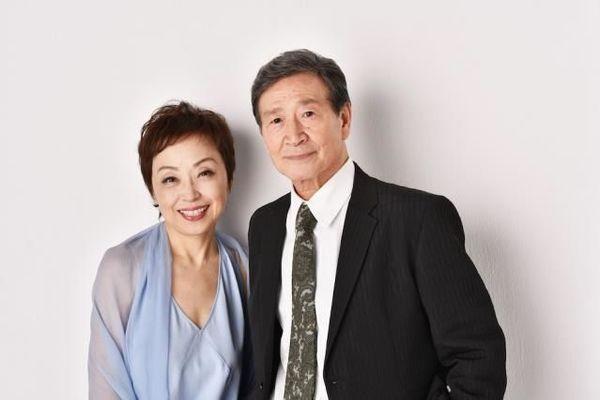 (左から)クミコ、酒井政利氏