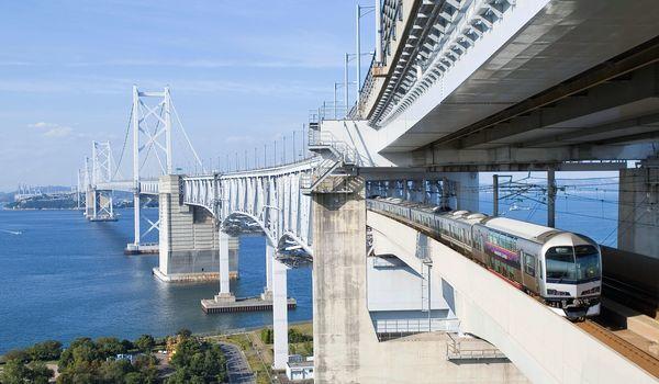 瀬戸大橋線(JR四国提供)