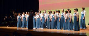 結成20周年コンサートで、歌声を披露するたんぽぽのメンバー=阿波海南文化村