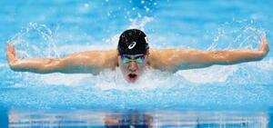 男子200メートルバタフライ決勝 銀メダルを獲得した本多灯=東京アクアティクスセンター