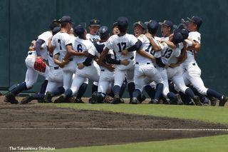 【高校野球徳島大会準決勝】徳島商ー鳴門(写真特集)
