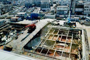 工事が進められている阿南市庁舎の低層棟=同市富岡町トノ町