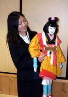 人形浄瑠璃の振興策を論文にまとめた池上さん=徳島市の阿波十郎兵衛屋敷