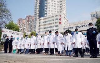 中国哀悼「ポケモン葬」と仏記者