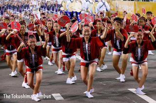 徳島市の阿波踊り第2日 写真特集