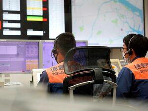 徳島市消防局の指令センター。コロナ患者の急増に伴い、救急搬送が困難になる事案が増えている