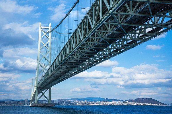 明石海峡大橋(淡路島側から)