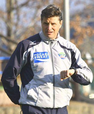 ロドリゲス監督「試合を支配し勝ち切る」 徳島ヴォルティス J1昇格へ意気込み