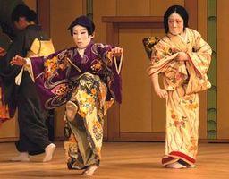 2014年12月に行われた子ども歌舞伎の公演=徳島市のあわぎんホール(NPO法人阿波の国子ども歌舞伎提供)