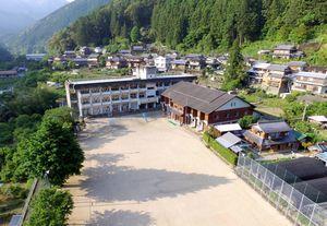 ドローン教習所が開設される旧桜谷小学校=那賀町水崎