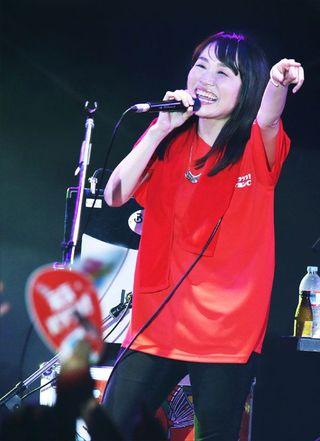 矢井田瞳さん熱唱 徳島中央公園で「阿波踊りサウンドフェスティバル」