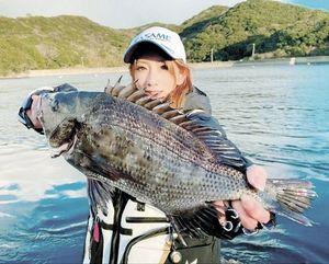 小鳴門海峡にてフカセ釣りで釣った48センチのチヌ。