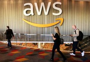 「アマゾン・ウェブ・サービス(AWS)」のロゴ=2017年11月、米ラスベガス(ロイター=共同)