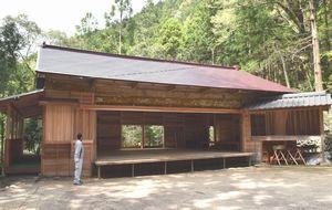 63年ぶりに大規模改修された八面神社農村舞台=那賀町西納