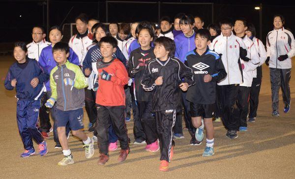 52年ぶりのフル出場に意気込む名東郡チーム=佐那河内村中央運動公園