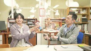 『中島健人の今、映画について知りたいコト。』第5回(5月7日放送)はスタジオジブリ回。(左から)中島健人、宮崎吾朗監督