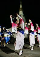 乱舞華やか、月も酔う 徳島・眉山で「十五夜」阿波踊り