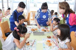 奉仕団体「キワニスクラブ」 徳島市で子ども食堂を初開催