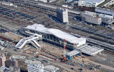 建設中の高輪ゲートウェイ駅=14日、東京都港区