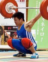 トータル273キロの大会新で優勝した徳島科技の原=金沢市総合体育館