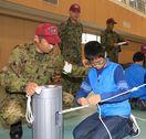 災害時の生存術学ぶ 徳島・阿南の陸自が親子キャンプ