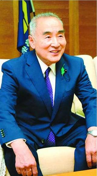 93代県議会議長になった 喜多宏思さん