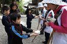 広野小児童 神山・焼山寺でお接待体験