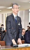 北海道議会の総務委員会で発言する道警の山岸直人本部長=26日午前