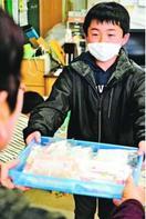 石井のNPOが学童保育クラブに手作りマスク贈る