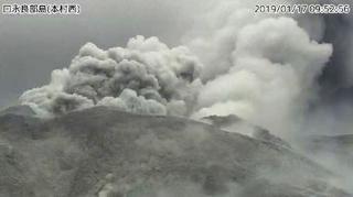 鹿児島・口永良部島が爆発的噴火