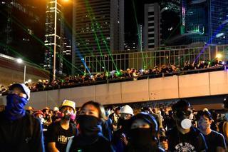 香港で「170万人」無許可デモ
