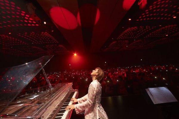 YOSHIKIプレミアムディナーショー『EVENING/BREAKFAST WITH YOSHIKI 2019 IN TOKYO』より