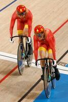 女子チームスプリント決勝 優勝した中国の鮑珊菊(右)と鍾天使=伊豆ベロドローム