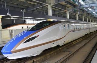 北陸新幹線、利用が初の前年超え