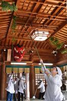 徳島県内各地で迎春準備 すす払いやウミガメの「あか…