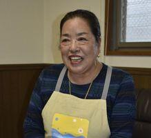 「喜んでもらえるだけで幸せ」と寄付についての思いを語る切中さん=阿波市土成町の老人ホーム御所園