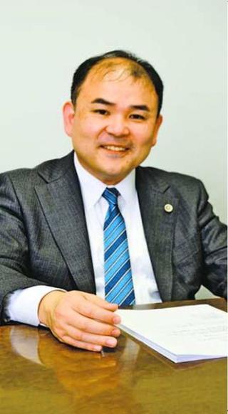 徳島弁護士会会長に就任した 篠原健さん