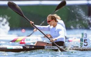 女子カヤックシングル200メートル決勝 優勝したニュージーランドのリサ・キャリントン。3連覇を達成した=海の森水上競技場