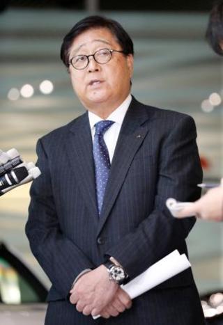 ゴーン被告、不正報酬10億円