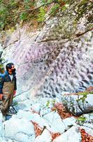 高の瀬峡の上流部で見つかった化石漣痕=那賀町