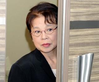 女優の市原悦子さん死去、82歳
