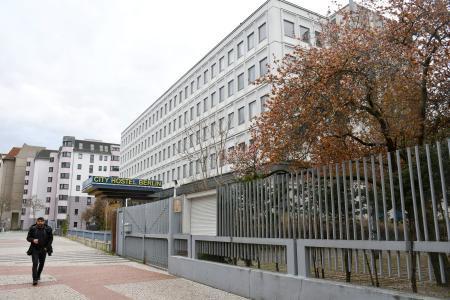 29日、ドイツの首都ベルリンで、開店休業状態となっている宿泊施設「シティホステル」(共同)