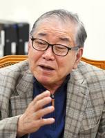 インタビューに応じる韓国の文正仁・統一外交安保特別補佐官(共同)
