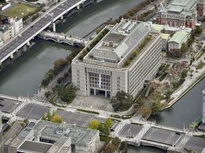 大阪市役所(共同通信社ヘリから)
